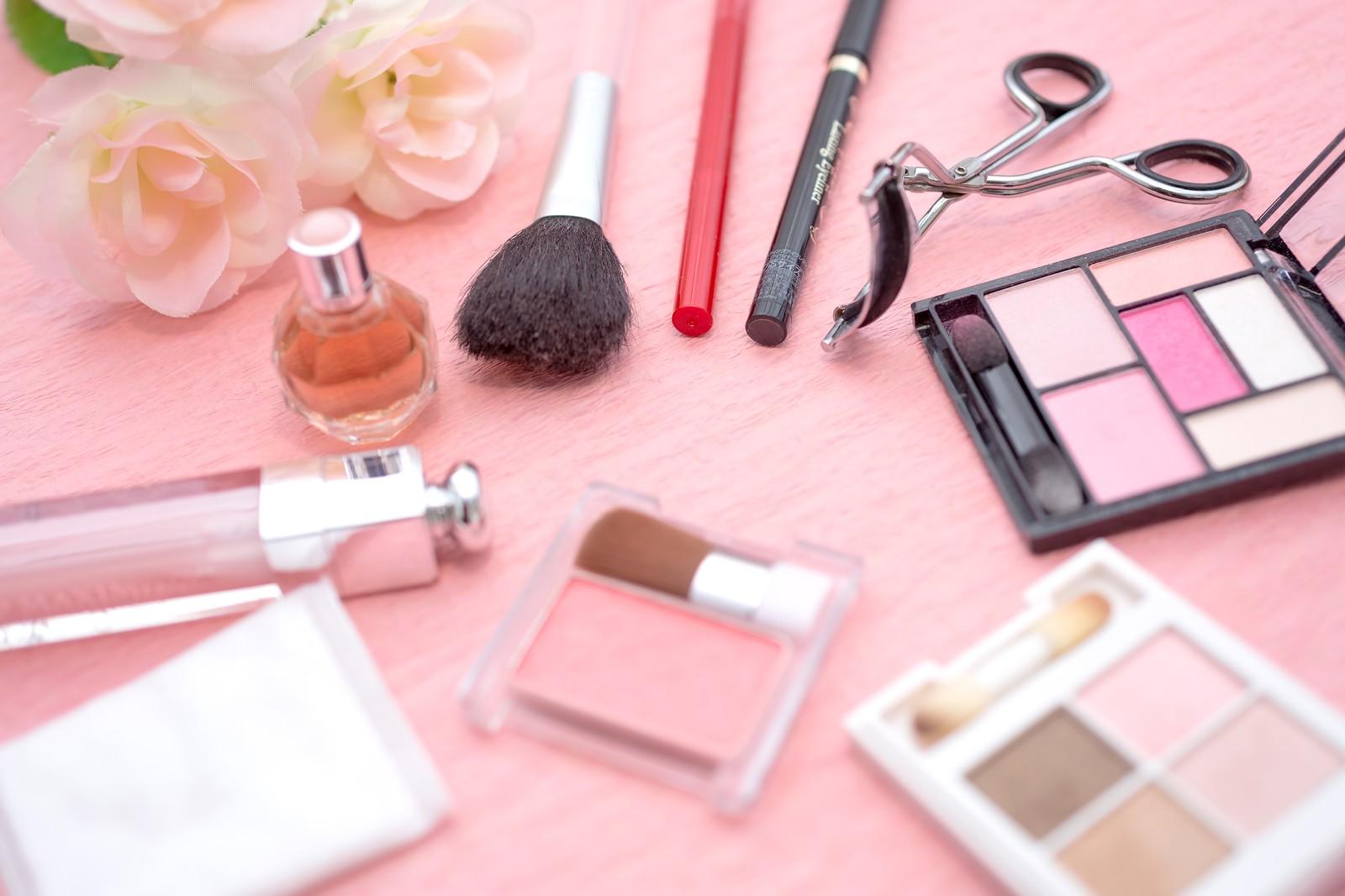 複数の化粧品