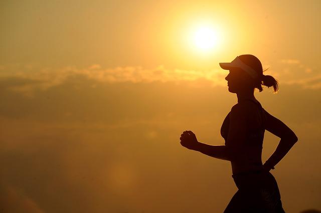 運動でダイエットを行う